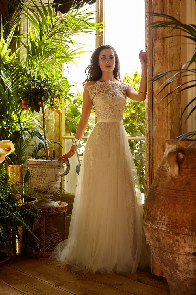 Catherine Deane by Frieda Brides - 007