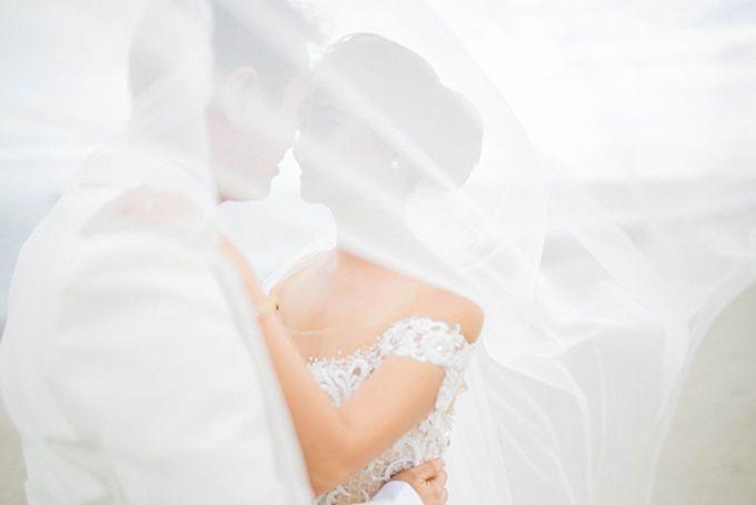 Radisson Blu Hotel Wedding by Lloyed Valenzuela Photography - 001