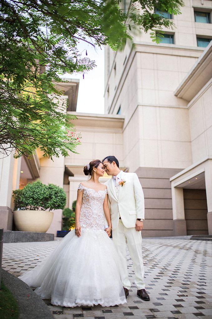 Radisson Blu Hotel Wedding by Lloyed Valenzuela Photography - 026