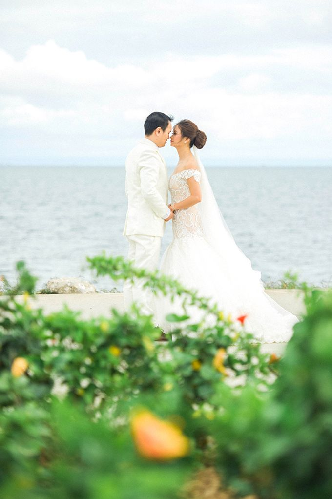 Radisson Blu Hotel Wedding by Lloyed Valenzuela Photography - 028