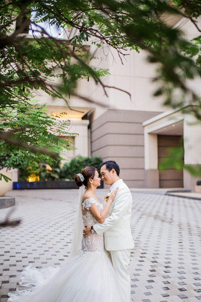Radisson Blu Hotel Wedding by Lloyed Valenzuela Photography - 032