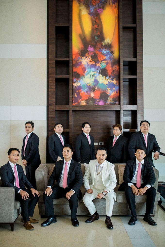 Radisson Blu Hotel Wedding by Lloyed Valenzuela Photography - 035
