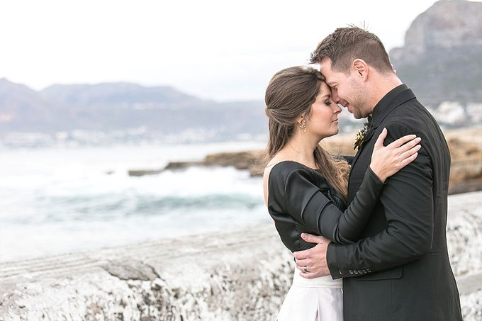 Black & Gold Winter Wedding Chic by Leanne Love Photography - 036