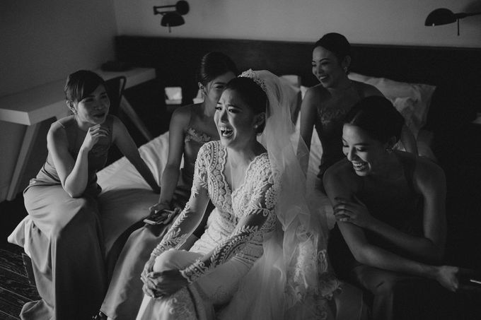 Cathedral Jakarta & The Edge Uluwatu | Duo City Wedding of Julia & Erick by ILUMINEN - 011