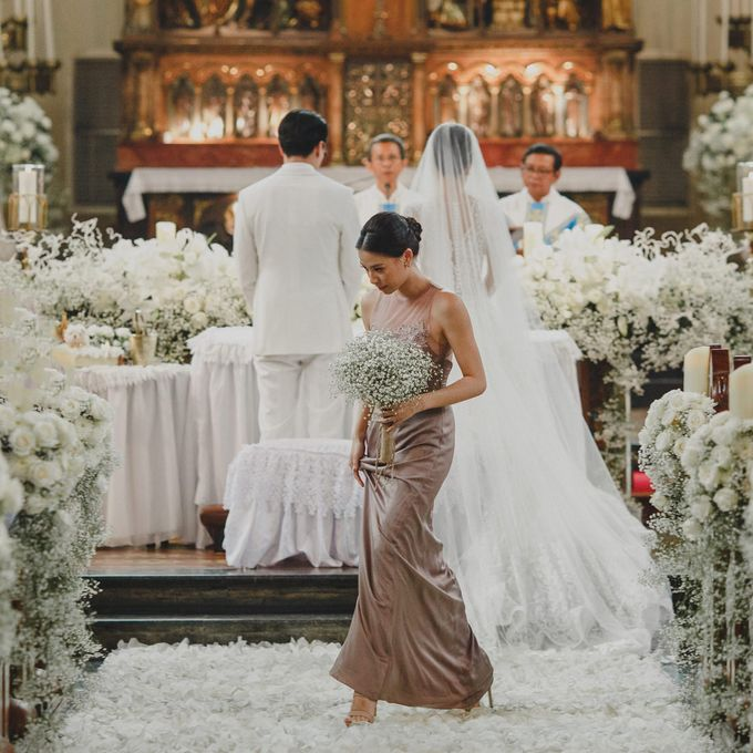 Cathedral Jakarta & The Edge Uluwatu | Duo City Wedding of Julia & Erick by ILUMINEN - 029