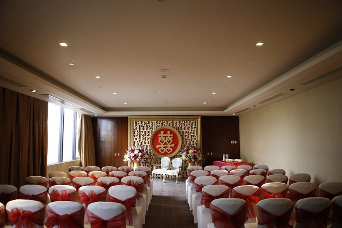 The Wedding of Stanley and Cynthia at Mandarin oriental Hotel Jakarta. by The Swan Decoration - 007