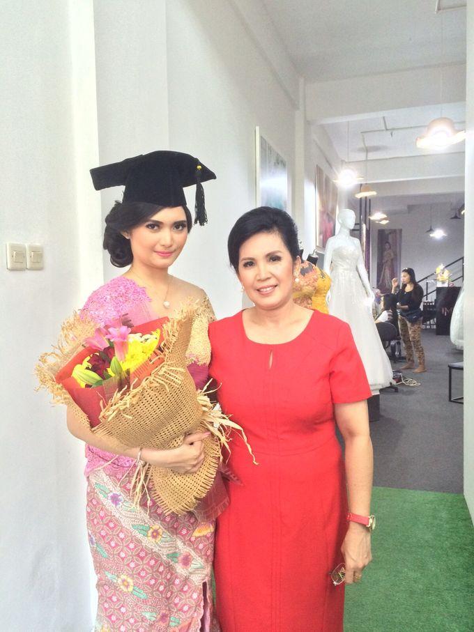 UC graduation by Xinxin Make Up - 006