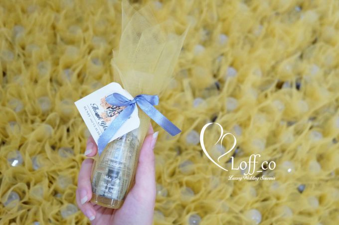 Deep Cleansing Hand Soap and Shower Gel by Loff_co souvenir - 017