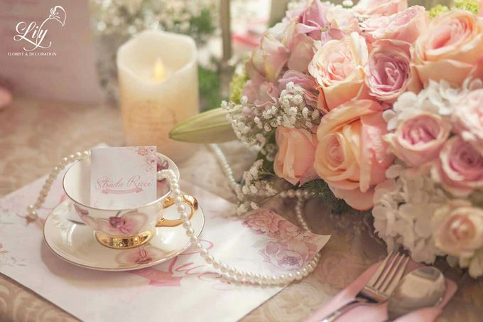 Chic and elegant table setting decoration by Lily Florist & Decoration - 002