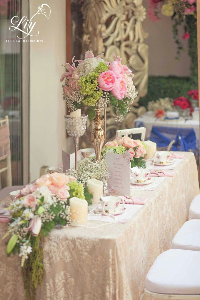 Chic and elegant table setting decoration by Lily Florist & Decoration - 004