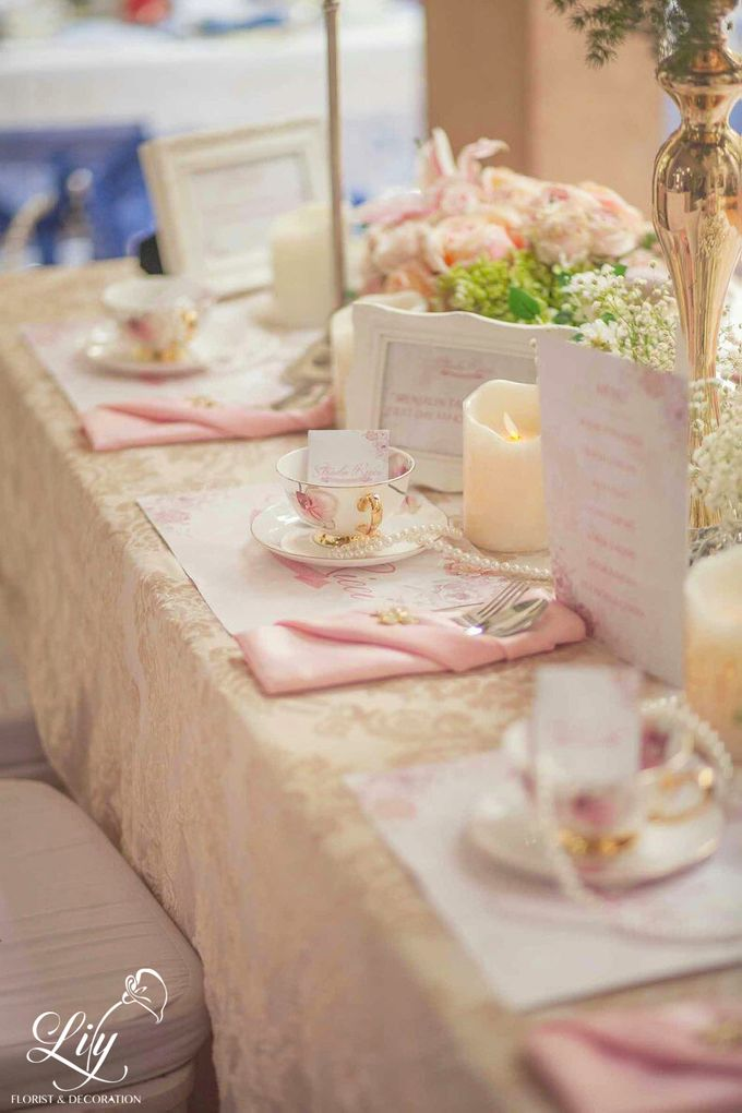 Chic and elegant table setting decoration by Lily Florist & Decoration - 005
