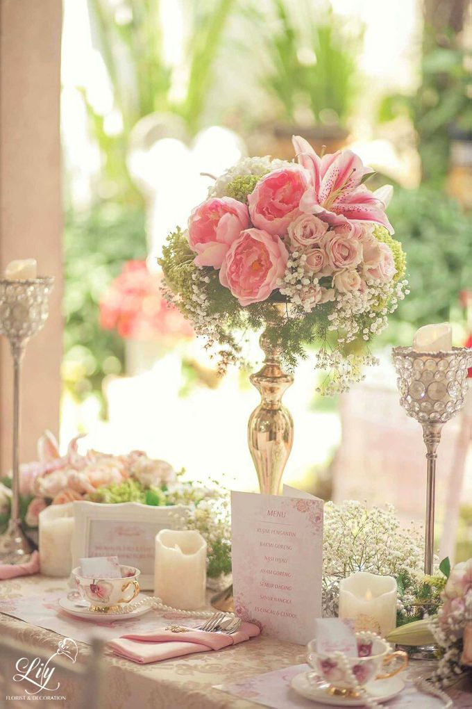 Chic and elegant table setting decoration by Lily Florist & Decoration - 001