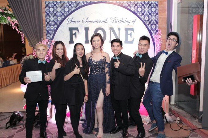 The Sweet Seventeen Dinner of Fione by 1994 Decoration - 006