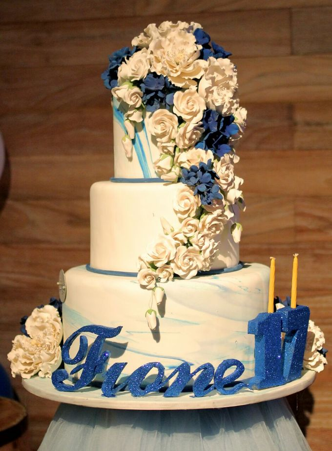 The Sweet Seventeen Dinner of Fione by 1994 Decoration - 008