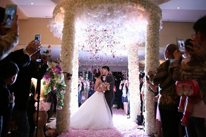 Richerdsen and Florence Wedding by Hotel Borobudur Jakarta - 002