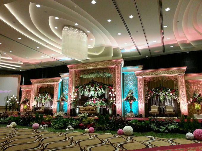 Traditional wedding by crowne plaza semarang bridestory add to board traditional wedding by crowne plaza semarang 003 junglespirit Gallery