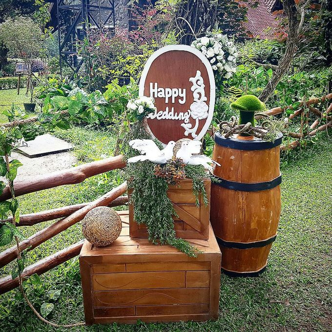 Rustic Theme Decoration by Home Smile Florist - 013