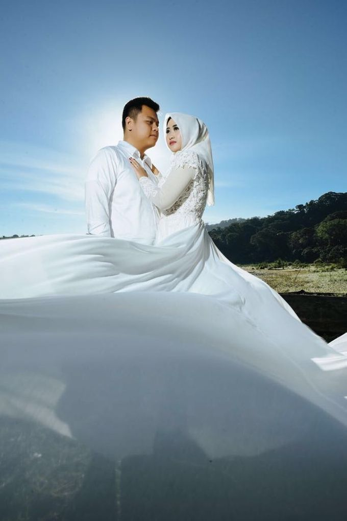 The Pre-wedding of Rea & Kiki by La Sposa | Bridestory.com