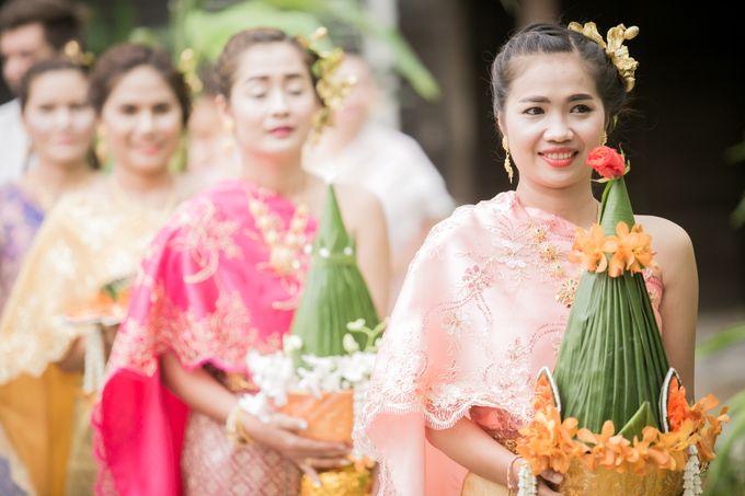 Intimate Thai Wedding Ceremony by Dream Asia Weddings - 009