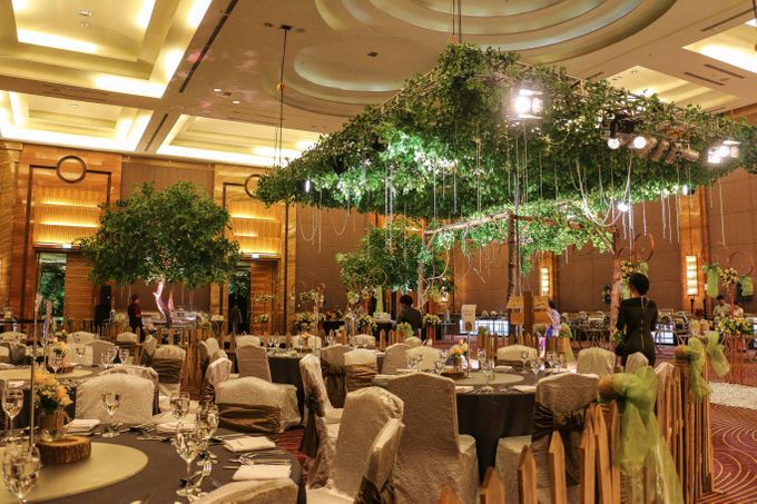 Rustic garden wedding pullman central park by delight jakarta add to board rustic garden wedding pullman central park by pullman jakarta central park 001 junglespirit Choice Image