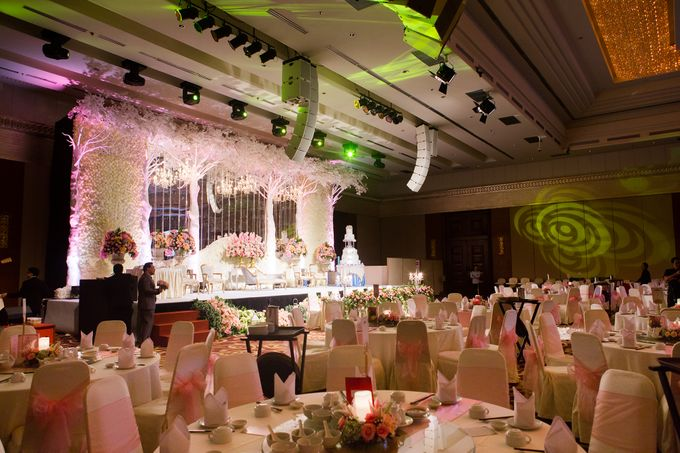 The wedding of Jimmy & Shirley Suncity ballroom by The Swan Decoration - 002