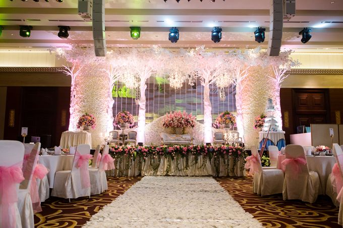 The wedding of Jimmy & Shirley Suncity ballroom by The Swan Decoration - 001