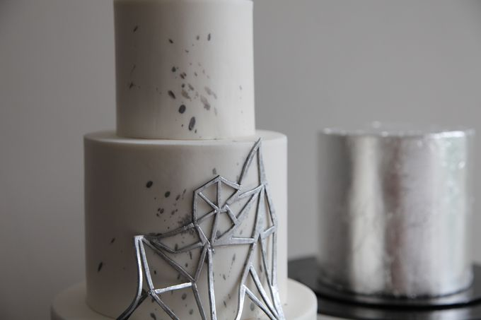 Silver Geometric by Winnie Cake Couture - 003