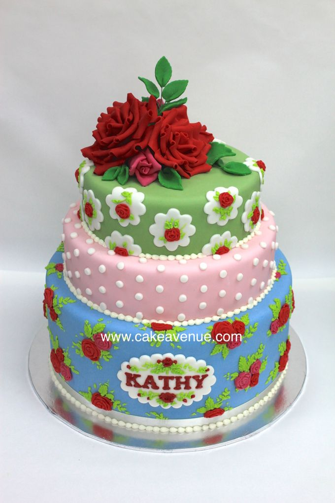 Contemporary Customised Wedding Cakes by Cake Avenue - 001