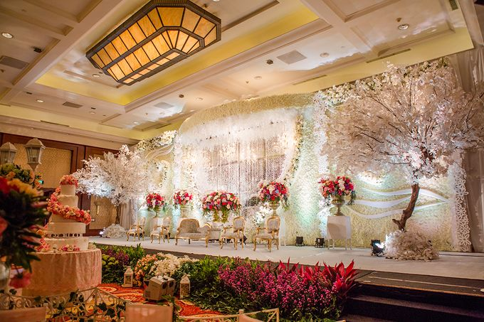 The Wedding of Angga & Wei -JW Marriot- by The Swan Decoration - 018