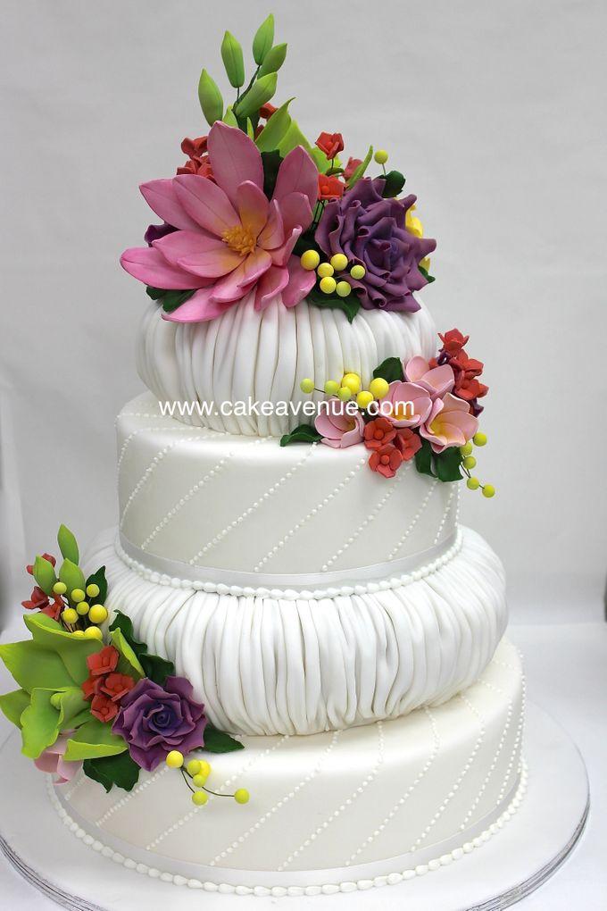 3-tier Customised Wedding Cakes by Cake Avenue - 001