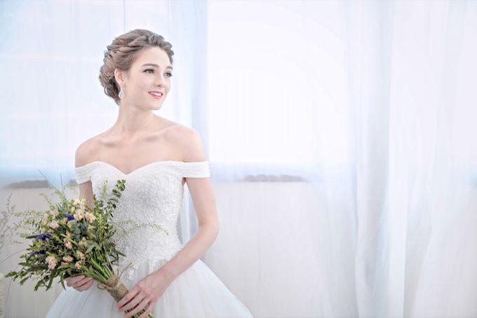 Signature Bridal Gown Range - Romantique by La Belle Couture Weddings Pte Ltd - 006