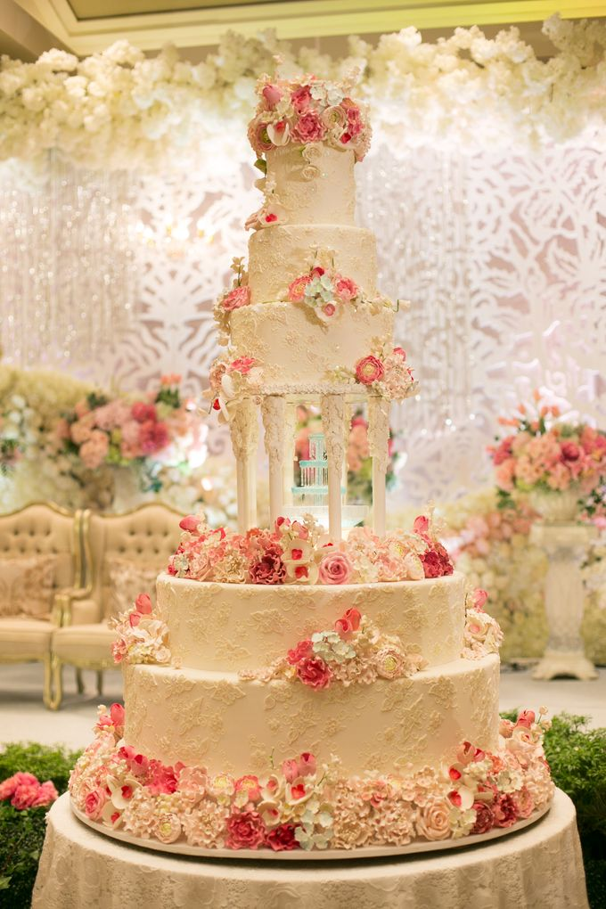 French Wedding Cake.French Romance Wedding By Bubble Cards Bridestory Com