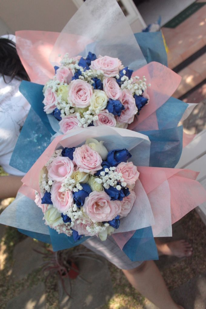 Colored Flowers by Les Fleur Flower Design - 005