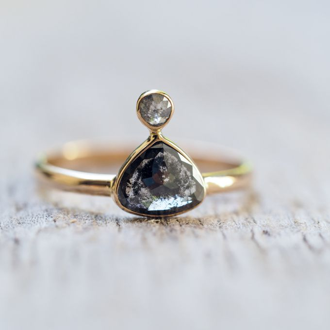 Alternative engagement rings by Gardens of the Sun - 007