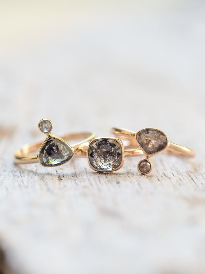 Alternative engagement rings by Gardens of the Sun - 014