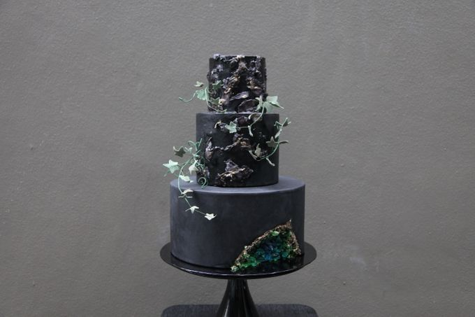 Ivy and Geode by Winnie Cake Couture - 001