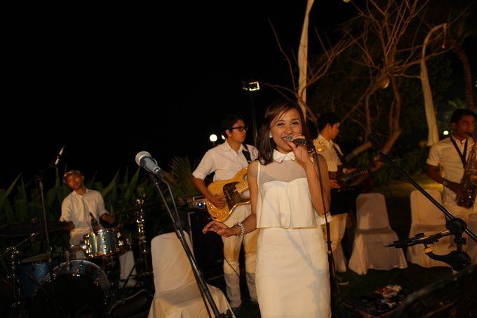 THE STAR BAND at TARA & MARSHEL Wedding by BALI LIVE ENTERTAINMENT - 009