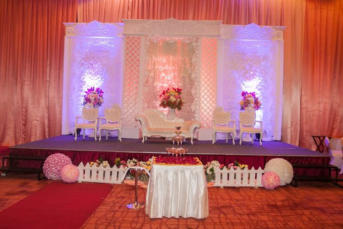 Modern-romantic wedding decoration by Menara Top Food Alam Sutera - 002