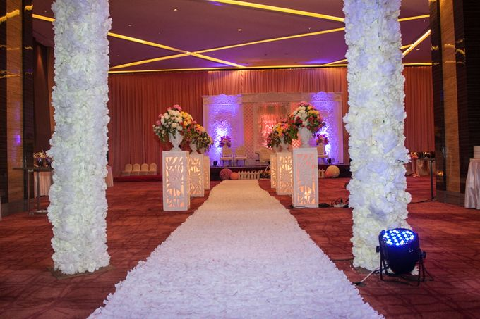 Modern-romantic wedding decoration by Menara Top Food Alam Sutera - 005