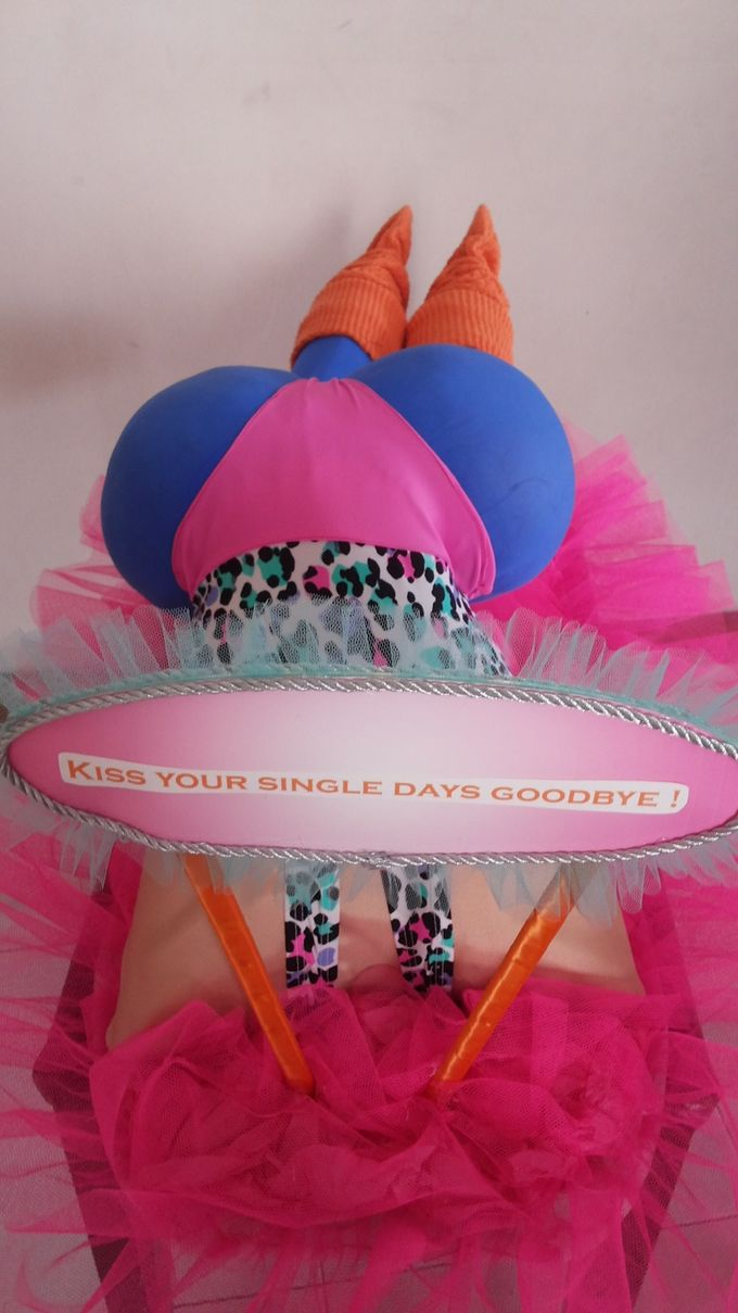 the 80s Fitness Centerpiece by Woohoo Party Supplies - 002