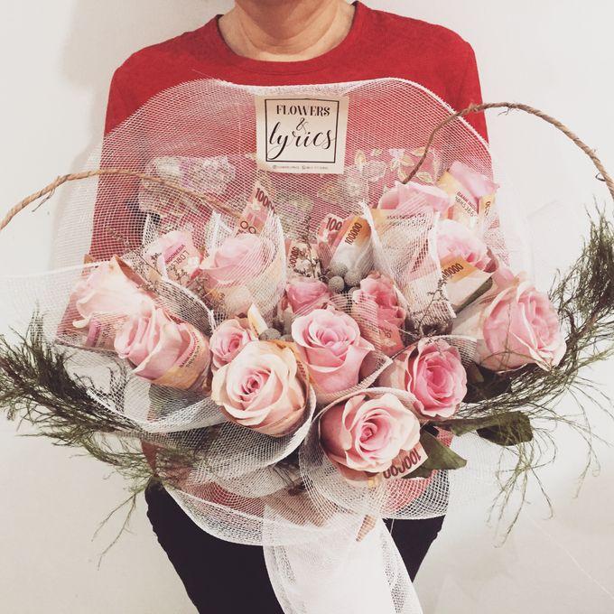 Money Bouquet by Flowers & Lyrics   Bridestory.com