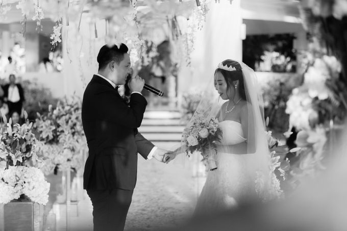 Elina & Erick / Balesin Wedding by Verse Studios - 040