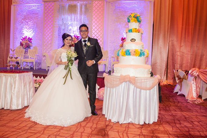 Modern-romantic wedding decoration by Menara Top Food Alam Sutera - 001