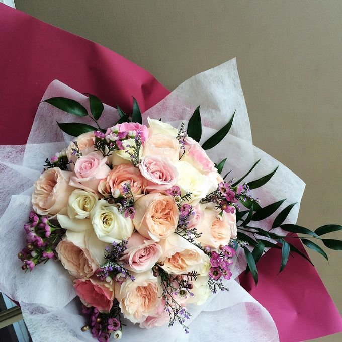 Imported Flowers by Les Fleur Flower Design - 001
