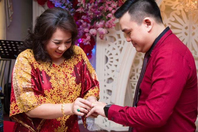 Engagement of Rendy & Charolina by CS Photography - 001