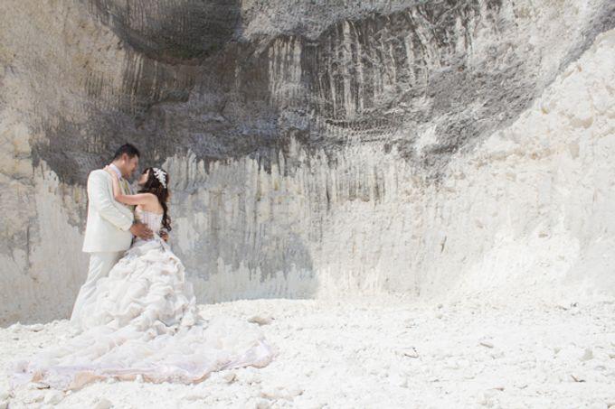 Prewedding of Jeffry & Yurike by CS Photography - 007