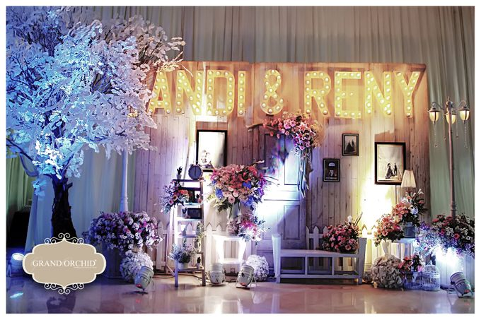 The wedding of andy reny by grand orchid decoration bridestory add to board the wedding of andy reny by grand orchid decoration 001 junglespirit Images