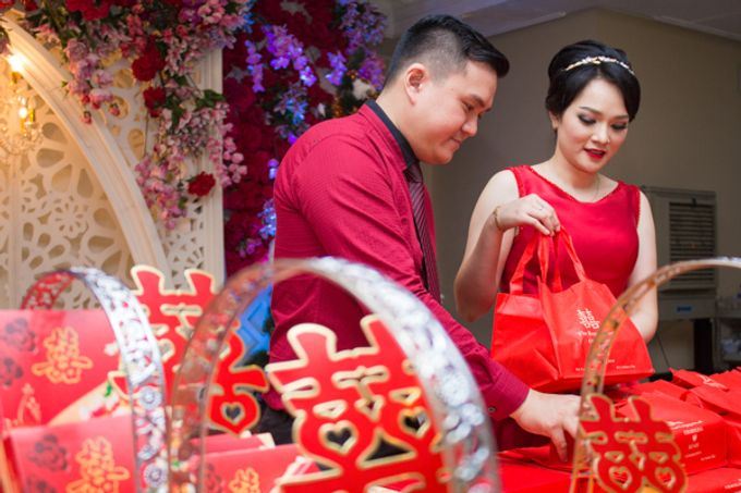 Engagement of Rendy & Charolina by CS Photography - 004