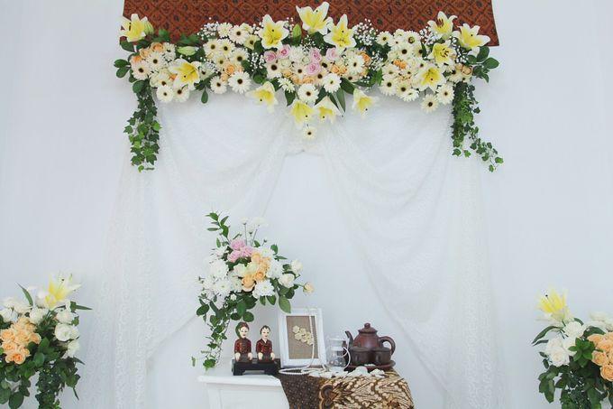 DECORATION by Benangsari Flower Studio - 003