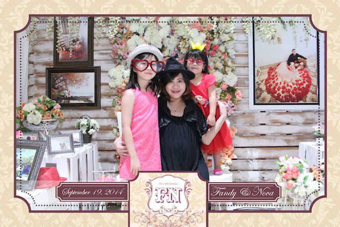 The Wedding of Fandy & Nova by After 5 Photobooth - 017